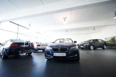 Garage schmitz automobile concessionnaire bmw editus for Garage concessionnaire bmw