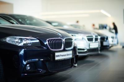 Garage schmitz automobile concessionnaire bmw editus for Garage bmw plaisir
