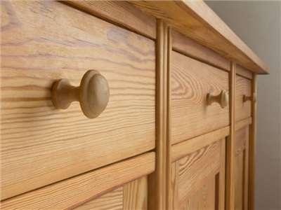astuces pour nettoyer vos meubles en bois editus. Black Bedroom Furniture Sets. Home Design Ideas