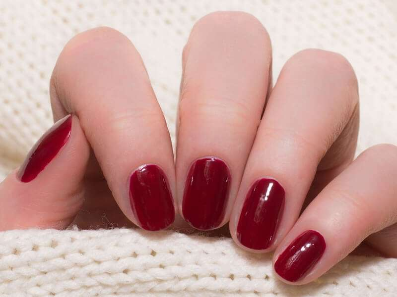 5 tips to keep your nail polish longer