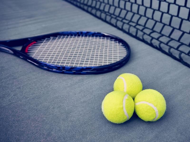8 good reasons to play tennis