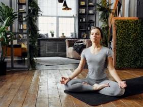 Yoga: 8 Übungen zu Hause