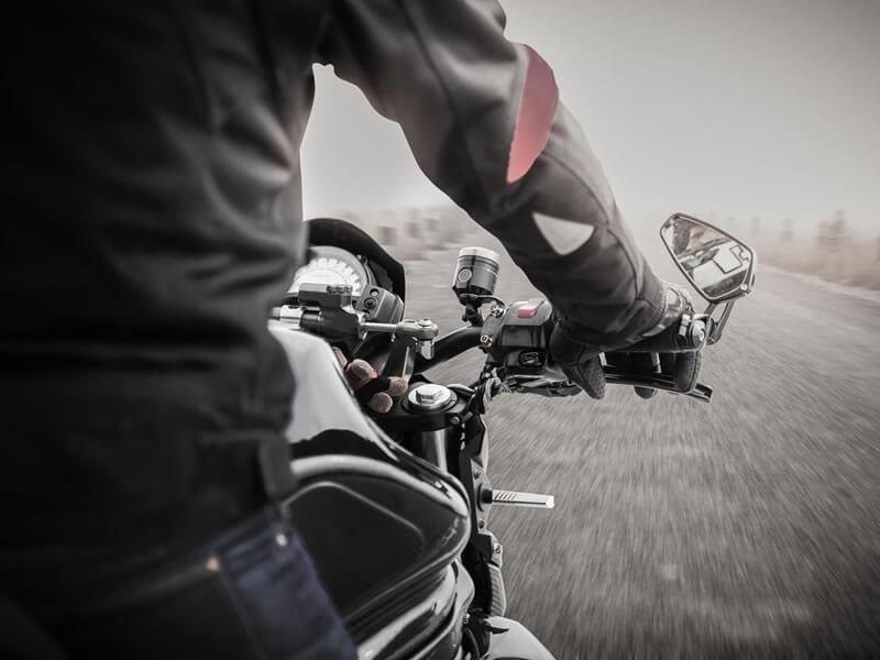 Conduire moto hiver