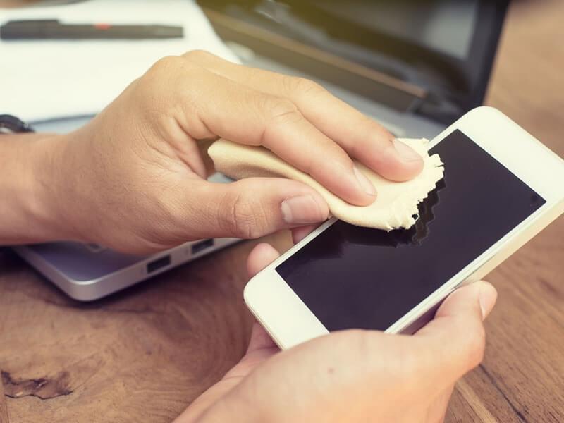 Tipps zur Reinigung Ihrer angeschlossenen Geräte