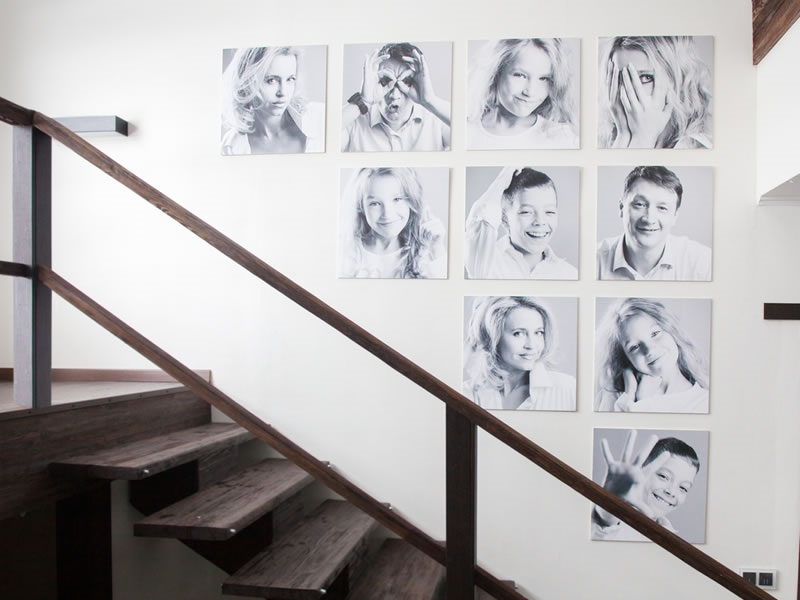 Create an entire wall of photographs