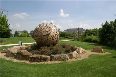 Sculpture dans le parc communal de Hesperange