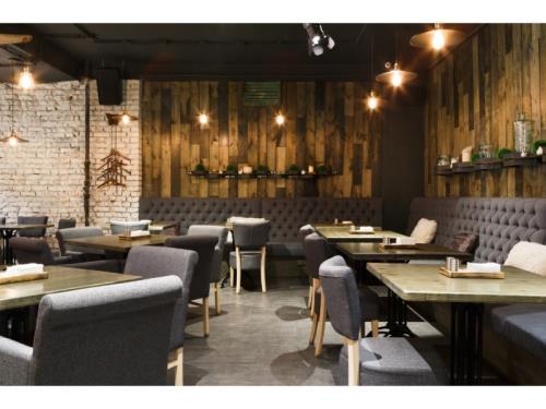 Mobilier d'hôtels, restaurants, cafés