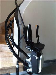 Monte-escaliers à double rail