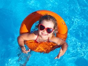 Cr che les frimousses activit s pour enfant for Bettembourg piscine