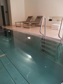 Schwimmbad innen
