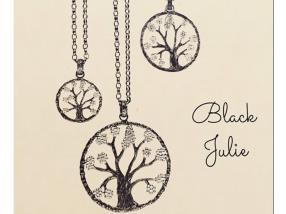 Colliers Black Julie