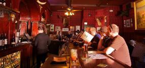 Bar et places assises
