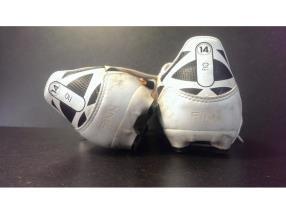 Gravure sur chaussures de sport