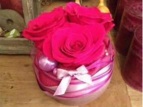 Grand choix d'arrangements avec roses stabilisées