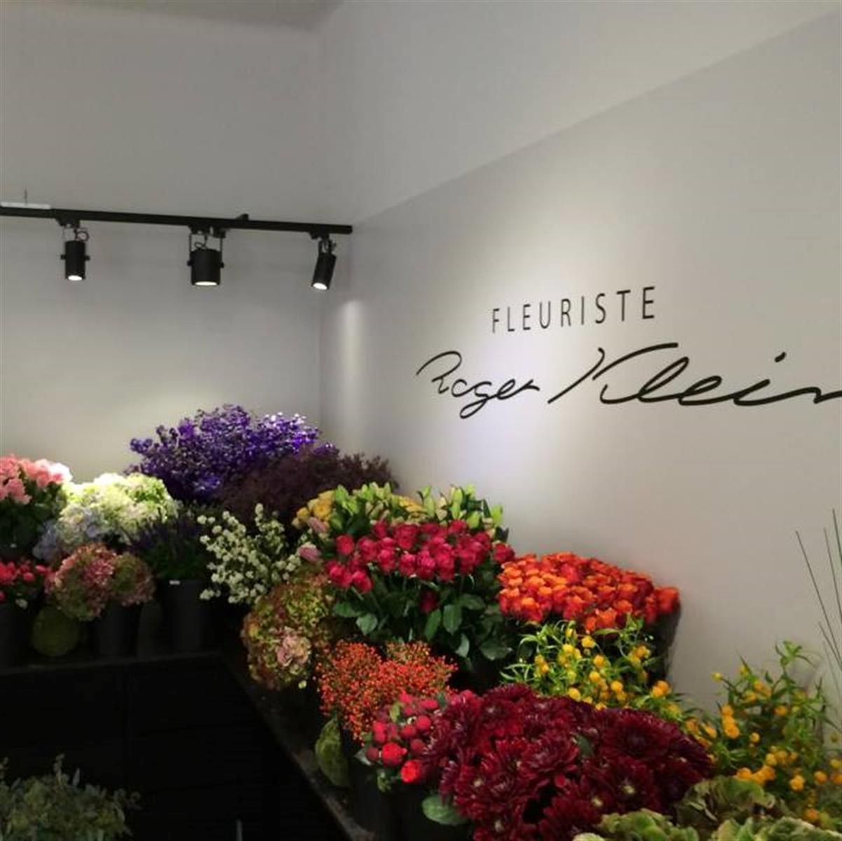Fleuriste roger klein mariage et communion fleur editus for Fleuriste dimanche